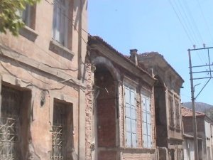 http://old.nick-kouzos.info/images/Kirkagats/Old%20Greek%20houses%20in%20Kirkagats%20DSC00496.jpg